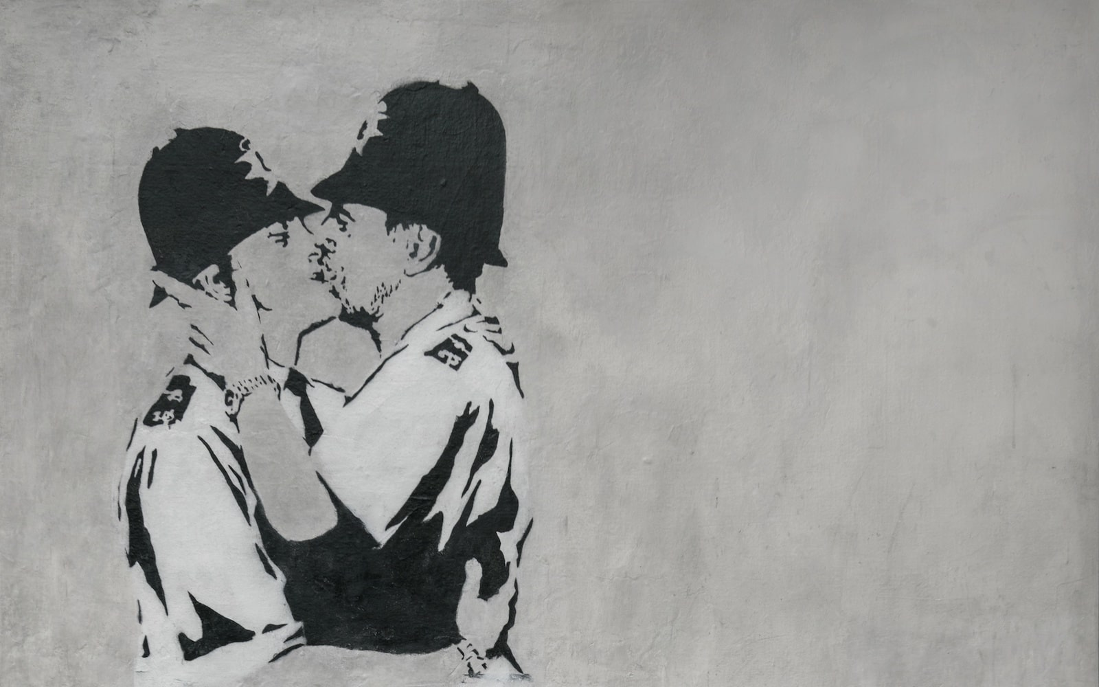 Banksy – Kissing Coppers