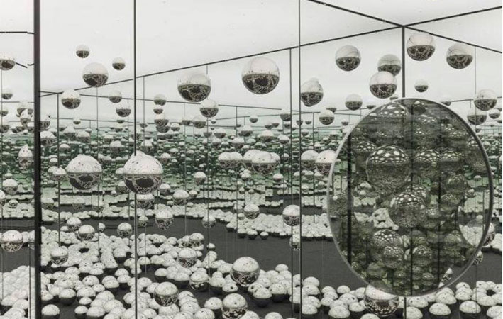 art installation kusama